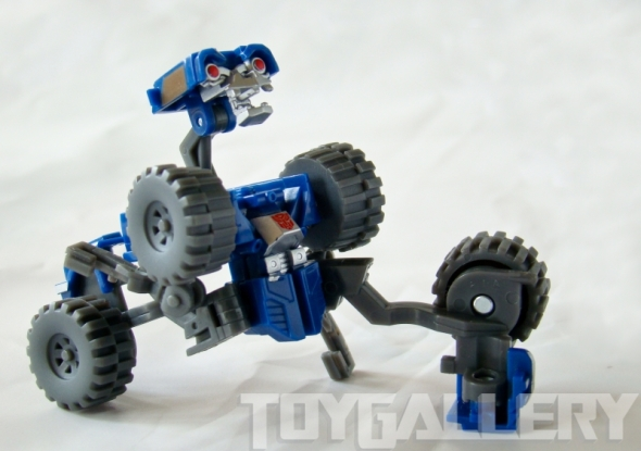 Wheelie alt mode Sitting
