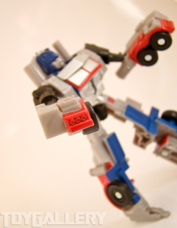 Optimus Prime Legend CANNONS