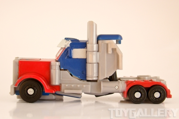 Optimus Prime Legend TRUCK SIDE