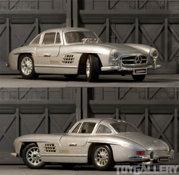Mercedes-Benz 300SL side angle