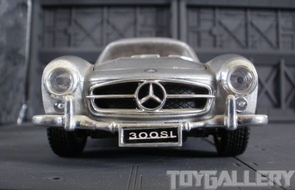 Mercedes-Benz 300SL front grille and fender