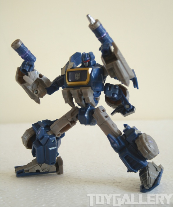 Soundwave bot lock and load