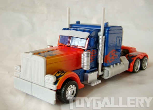 Optimus Prime Battle Blade Voyage Class TRUCK MODE (1)
