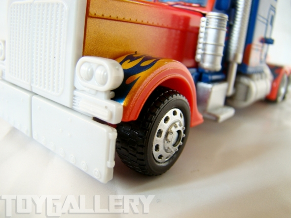 Optimus Prime Battle Blade Voyage Class TRUCK MODE (2)
