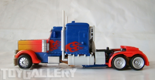 Optimus Prime Battle Blade Voyage Class TRUCK MODE (3)