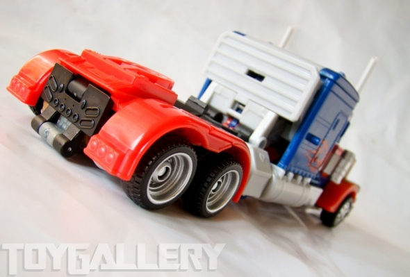 Optimus Prime Battle Blade Voyage Class TRUCK MODE (6)