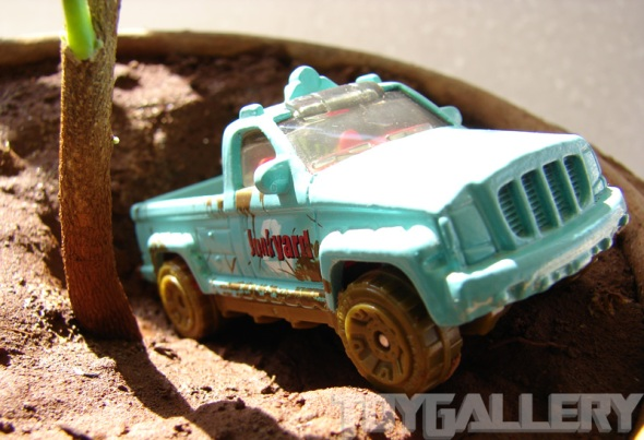 Matchbox TrooP Carrier in the pot 1