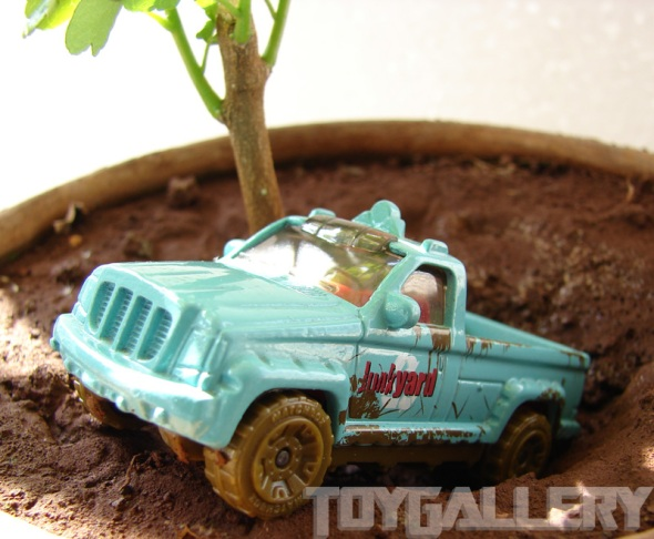 Matchbox TrooP Carrier in the pot 2